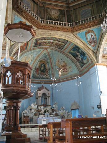 dauis-church-interior.jpg