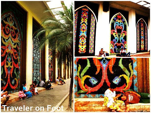 Okir Design Traveler On Foot
