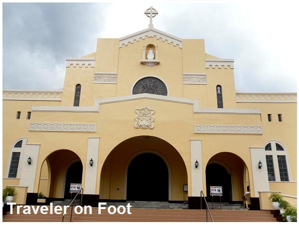Carmelite monastery in Lipa | Traveler on Foot